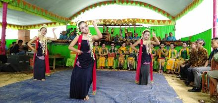 Langen Tayub Seni Budaya Yang Digemari Di Desa Puyung